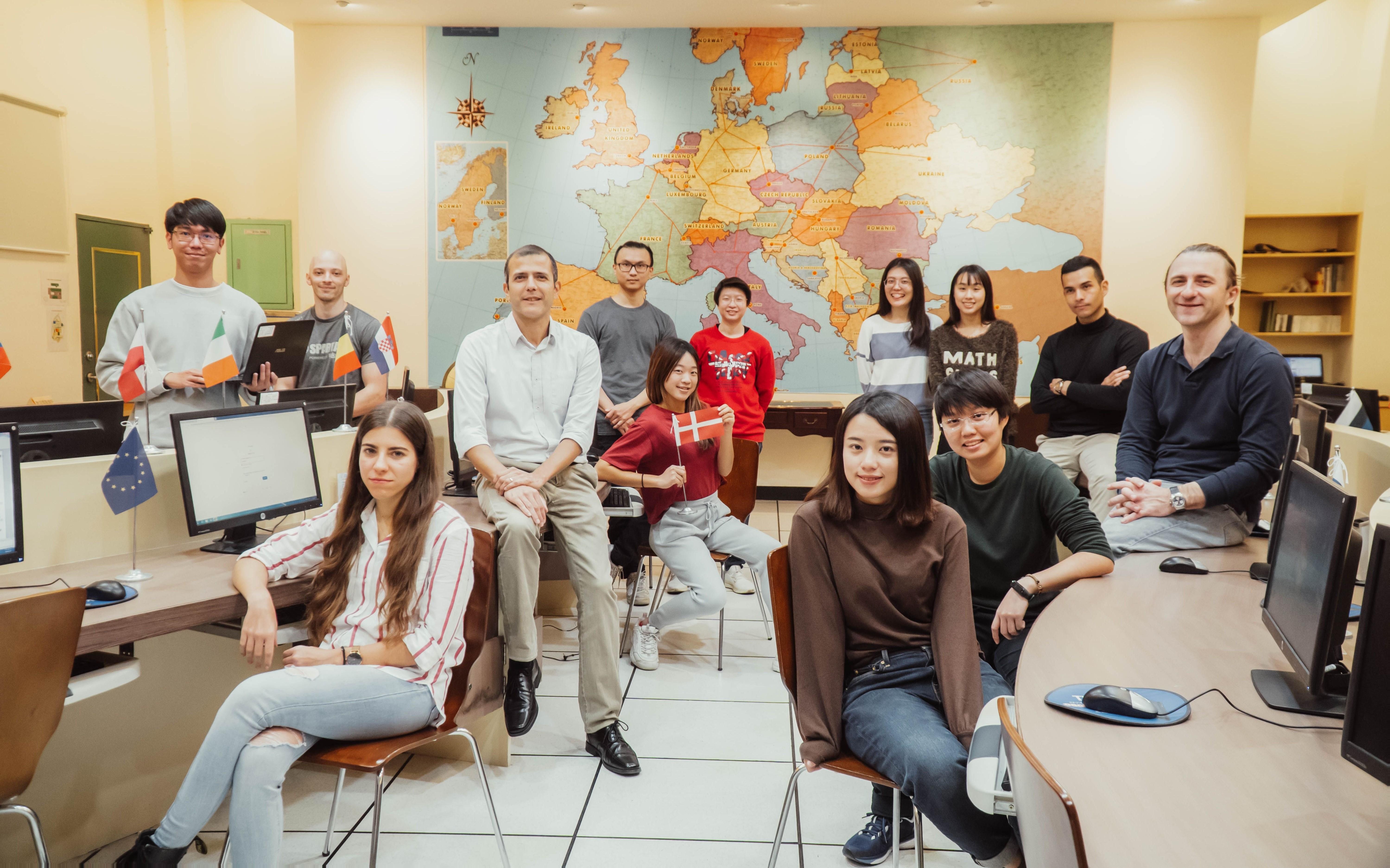 05/26/2021 文藻EMI跨域人才養成   接軌國際及產業 55年的最強王牌 Wenzao EMI cross-field talent training is the strongest trump for 55 years in line with international and industry.